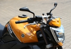 yamaha fz1 rn16 mit Bugspoiler in orange